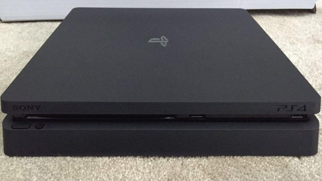 Размещены фотографии консоли иупаковки PS 4 Slim
