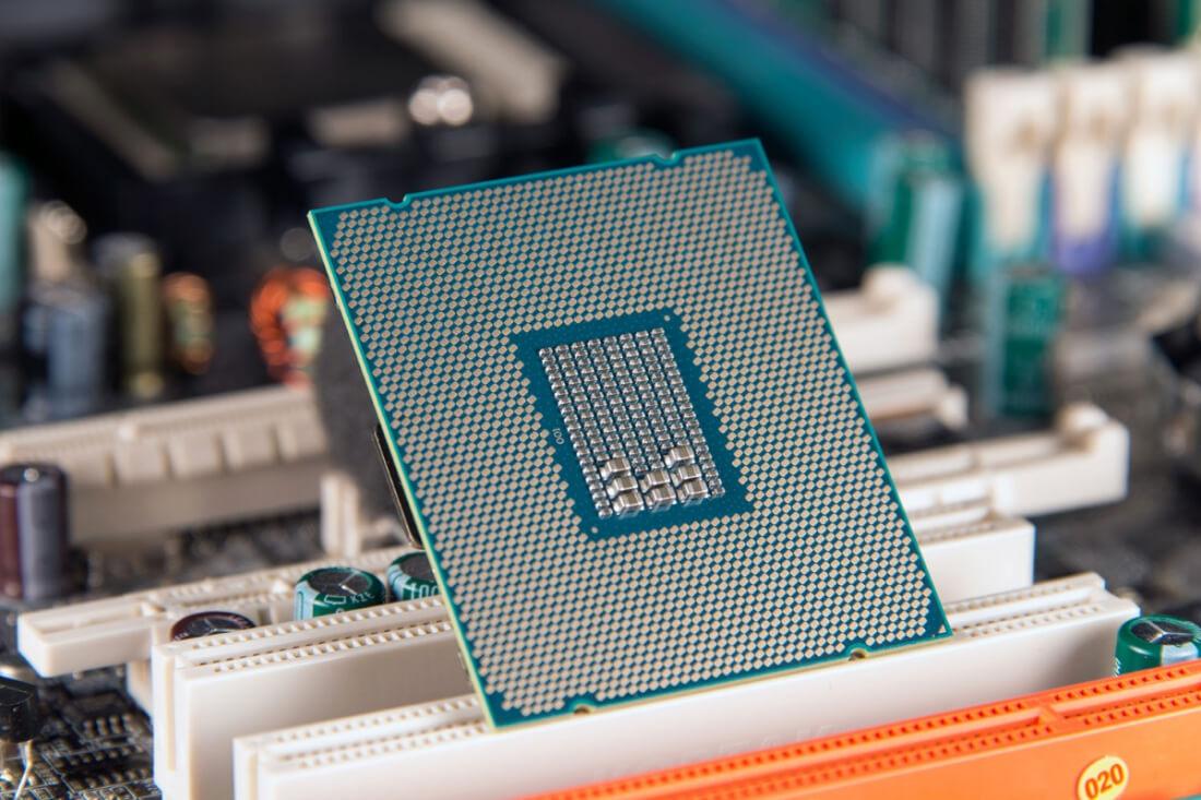 Windows 7 и8.1 неподдерживают новые процессоры AMD иIntel