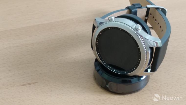Самсунг анонсировала Gear S3 classic споддержкой LTE