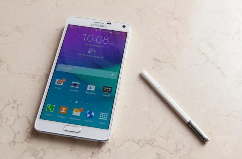 Samsung отозвала более 10 тысяч взрывоопасных аккумуляторов