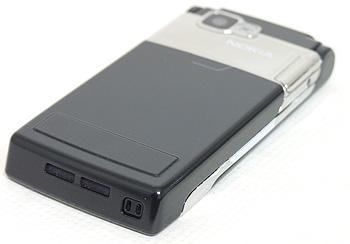 Nokia N76. Вид снизу